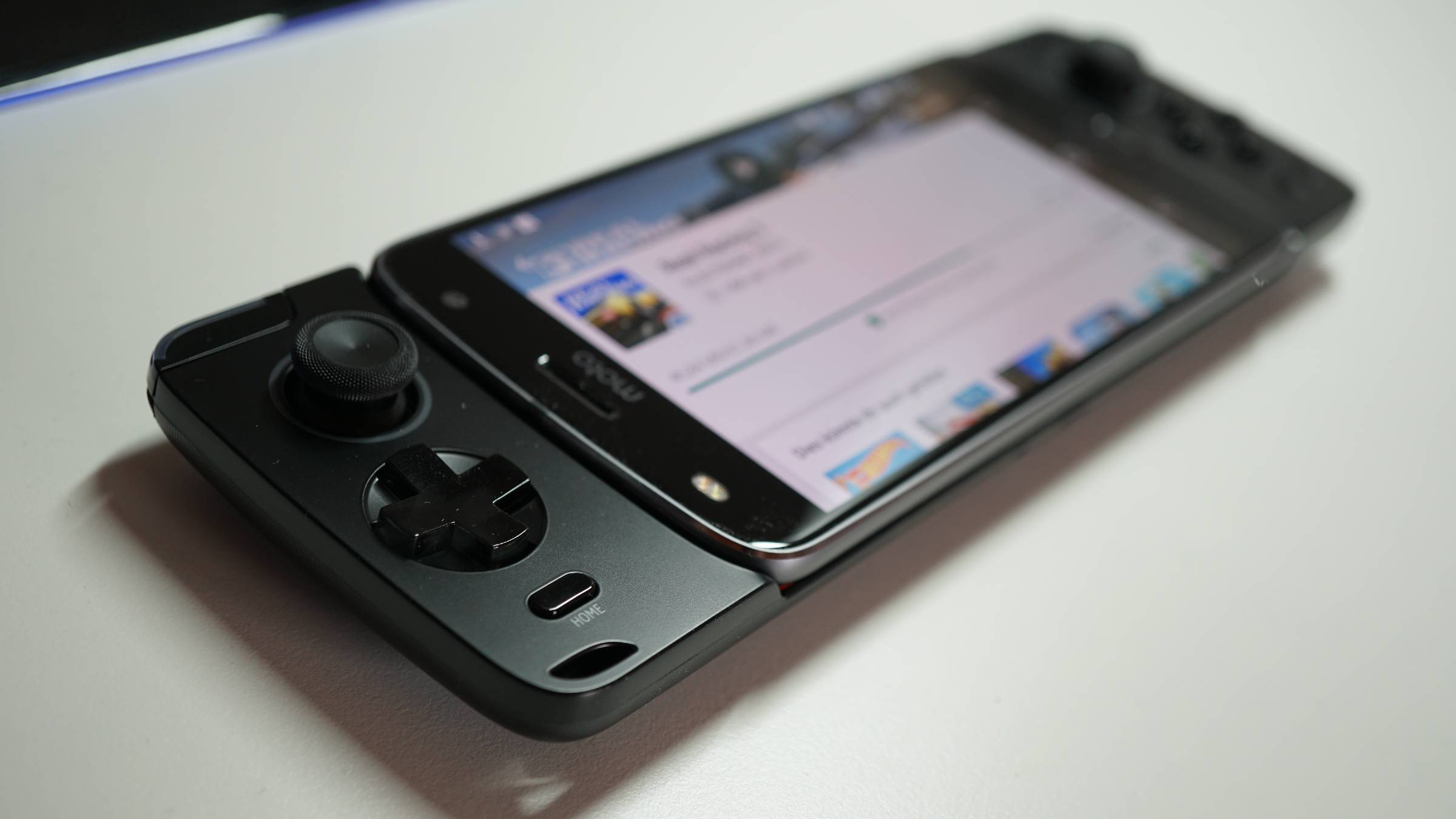 MotoMods_Gamepad_MotoPlay_Z2